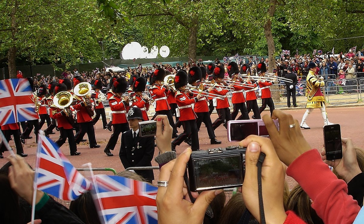 Band of the Coldstream Guards - hier klicken